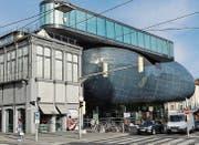 Kunsthaus Graz: Das Friendly Alien stammt von Peter Cook und Colin Fournier. (Bild: Karte oas)
