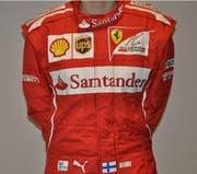 So sieht der Rennanzug der vergangenen Saison von Kimi Räikkönen aus. Der Anzug wird versteigert. (Bild: ricardo.ch)