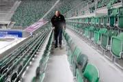Die AFG-Arena blieb am Samstag wegen Schneefall leer. (Bild: Coralie Wenger/Archiv)