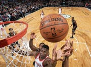 Erzielte gegen Milwaukee zehn Punkte: Clint Capela, Center der Houston Rockets. (Bild: Gary Dineeni/Getty (Milwaukee, 7. März 2018))