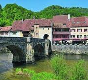 Die Brücke über den Doubs in St-Ursanne. (Bild: Arthur Vogel)
