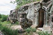 Der Eingang zu den berühmten Sandsteinhöhlen Phowin Taung. (Bild: Ester Wyss)