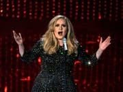 Adele hat den vermutlich lukrativsten Plattenvertrag aller Zeiten unterschrieben. (Archivbild) (Bild: Keystone/AP Invision/CHRIS PIZZELLO)