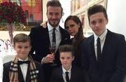 Die Beckhams. (Bild: bangshowbiz)
