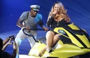 Mariah Carey auf einem Jet. (Bild: R Chiang / Splash News)