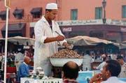 Pulsierendes Leben in engen Gassen. Die Altstadt von Marrakesch gehört zum Weltkulturerbe der Unesco. (Bild: Karte oas)