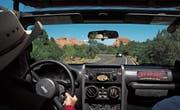 Schönste Aussichten direkt aus dem Auto: Der Park «Garden of the Gods» beeindruckt mit seinen roten Sandsteinformationen. (Bilder: Loren Bedeli (Edelweiss)/Angelina Donati)