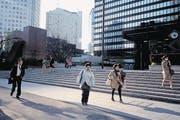Feierabendstimmung im teuren Geschäftsquartier Ginza. (Bild: Marco Kamber)