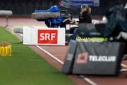 Kameras von Teleclub und SRF anlässlich eines Fussballspiels im Letzigrund. (Bild: Keystone)