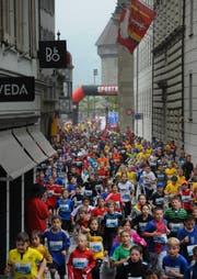 Am 37. Luzerner Stadtlauf werden rund 13'500 Teilnehmer erwartet. (Bild: Boris Bürgisser / Neue LZ)