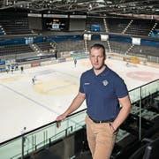 EVZ-Sportchef Reto Kläy in der Bossard-Arena. (Bild: Pius Amrein (Zug, 11. Oktober 2017))