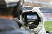 Begehrtes TV-Objekt: die deutsche Bundesliga. (Bild: Ina Fassbender/Keystone (Gelsenkirchen, 19. August 2017))