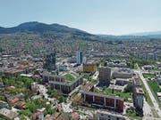 In Sarajevo kann man den Kontrast von schlimmer Historie und modernem Aufbruch erleben. (Bild: Michael Hug)