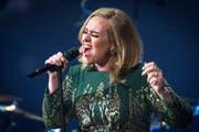 Adele bei einem Konzert bei BBC. (Bild: bangshowbiz)