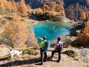Der Herbstsaison kommt für den Schweizer Tourismus vermehrt eine stabilisierende Wirkung zu. (Symbolbild) (Bild: KEYSTONE/ANTHONY ANEX)