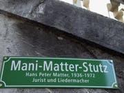 Nach dem kleinen Mani-Matter-Stutz in Bern soll in Wabern ein ganzer Platz nach dem Berner Liedermacher benannt werden. (Bild: KEYSTONE/YOSHIKO KUSANO)
