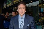 Der Schauspieler Nicolas Cage muss einen gestohlenen Dinosaurierschädel zurückgeben. (Bild: bangshowbiz)