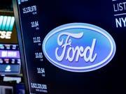 Der Autobauer Ford erfreut mit den neusten Geschäftszahlen die Anleger an der Börse. (Symbolbild) (Bild: KEYSTONE/AP/RICHARD DREW)