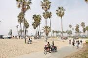 Sportlich oder vergnüglich auf dem Boardwalk am Venice Beach. (Bild: Ingrid Schindler)