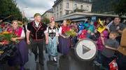 Der neue Schwingerkoenig Matthias Glarner wird am Montag, 29. August 2016, in seiner Heimatgemeinde Meiringen feierlich empfangen. (KEYSTONE/Urs Flueeler) (Bild: URS FLUEELER (KEYSTONE))