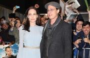 Angelina Jolie und Brad Pitt. (Bild: banghsowbiz)
