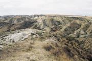 Atemberaubende Steppenlandschaft auf dem Weg von Baku Richtung Westen an die Grenze von Armenien. (Bild: Brigitte Schmid-Gugler)