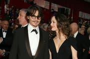 Vanessa Paradis wird für Johnny Depp aussagen. (Bild: bang)
