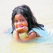 Ein Bad im wohlig warmen, kristallklaren Wasser der Lagunen. (Bild: Kurt Horat)