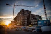 Die Gemeinde Risch ist seit 2006 um mehr als 24 Prozent gewachsen. Die Bautätigkeit ist vor allem im Ortsteil Rotkreuz gross.Bild: Boris Bürgisser (Rotkreuz, 17. Oktober 2017)