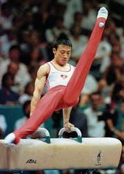 Mit dieser Übung am Pauschenpferd holte Donghua Li 1996 Olympiagold für die Schweiz. (Bild: Christoph Ruckstuhl/Keystone (Atlanta, 28. Juli 1996))