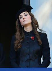 Kate Middleton ist angeblich mit ihrem dritten Kind schwanger. (Bild: AP)
