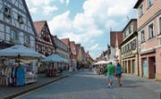 Neuruppin ist die Stadt des Dichters Theodor Fontane, links ist sein Geburtshaus. (Bild: Andreas Z'Graggen)