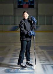 Cyndy Kenyon lebt seit neun Jahren in der Schweiz, nun gibt sie Skating-Lektionen in Zug. (Bild Maria Schmid)