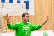 Goalie Roman Schelbert wird sich per Ende Saison vom Spitzensport verabschieden. (Bild: Roger Grütter / Neue LZ (Archiv))