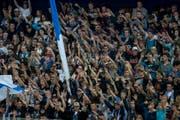 Fans des EV Zug (Symbolbild). (Bild: Keystone)