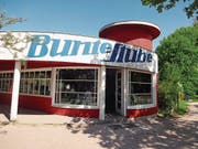 Die Bunte Stube ist Kult. Die Buchhandlung im Bauhausstil gibt es seit 1922. (Bild: Angela Allemann)
