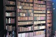 Die Bibliothek des jetzigen Hausherrn von Prideaux Place umfasst 6000 Bücher. (Bild: Geraldine Friedrich)