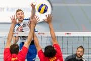 Volley Top Luzerns Luca Müller im Spiel gegen Chenois Genf. (Bild: Philipp Schmidli)