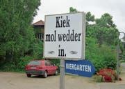 Auch im Norden Deutschlands ist es nie weit zum nächsten Biergarten. (Bild: Andreas Z'Graggen)
