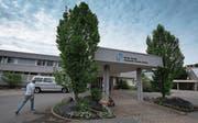 Die Befürchtung im Appenzeller Vorderland ist gross, dass das Spital Heiden geschlossen werden könnte. Regierung und Spitalleitung wollen den Standort jedoch erhalten. (Bild: Peer Füglistaller)