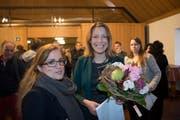 SP-Stadträtin Maria Pappa (links) am Sonntag mit der neu gewählten Sonja Lüthi im Waaghaus (Bild: Ralph Ribi)