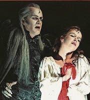 Das Musical «Tanz der Vampire» in einem Szenenausschnitt aus Wien. (Bild: AP)