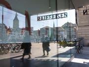 Zahlreiche Rücktritte: Die Raiffeisen-Bank muss bis 2020 neun neue Verwaltungsräte ernennen. (Bild: KEYSTONE/GAETAN BALLY)