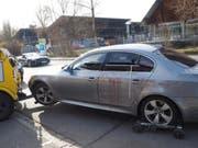 Anfang März 2017 wurde vor einer Shisha-Bar in der Fritz-Arnold-Strasse in Konstanz ein junger Schaffhauser tödlich verletzt. Blutspuren an einem Auto zeugen von der Tat. (Bild: Jörg-Peter Rau)