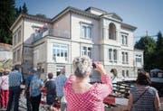 Die Villa Jacob zieht um: Rund zehn Stunden brauchte sie für eine Distanz von 20 Metern. (Bilder: Benjamin Manser)