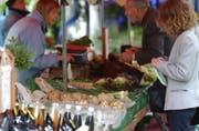 Jeden Freitag, von 7 bis 13 Uhr, von April bis November: Der wöchentliche Bauernmarkt hat in St. Gallen Tradition. (Bild: Sam Thomas)