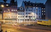 Freikirche, Sexshops, Quartierbeizen: Im Linsebühl treffen verschiedene Realitäten aufeinander. Die Kreuzung Linsebühlstrasse/Speicherstrasse (im Bild) steht vermehrt im Fokus der Polizei. (Bild: Ralph Ribi)