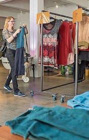 Im Textilmuseum werden morgen am Swap wieder rege Kleider getauscht. (Bild: Hanspeter Schiess)
