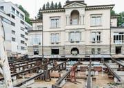 Noch am alten Standort, aber bereit für den grossen Rutsch: die Villa Jacob. (Bild: Jil Lohse)