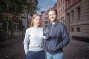 Orientierung für Ortsunkundige: Der Stadtführer «Wohin St. Gallen?» von Anna Zimmermann und Angelo Zehr hilft weiter. (Bild: Urs Bucher)